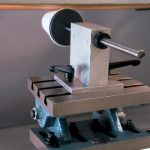 Оборудование для трафаретной печати на пенопластовых стаканах  На фото: печать на стаканчике из пенопласта.