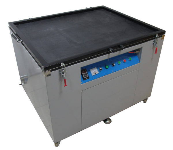 Экспозиционные устройства с вакуумным прижимом для рам с максимальным размером до 100х130см.
