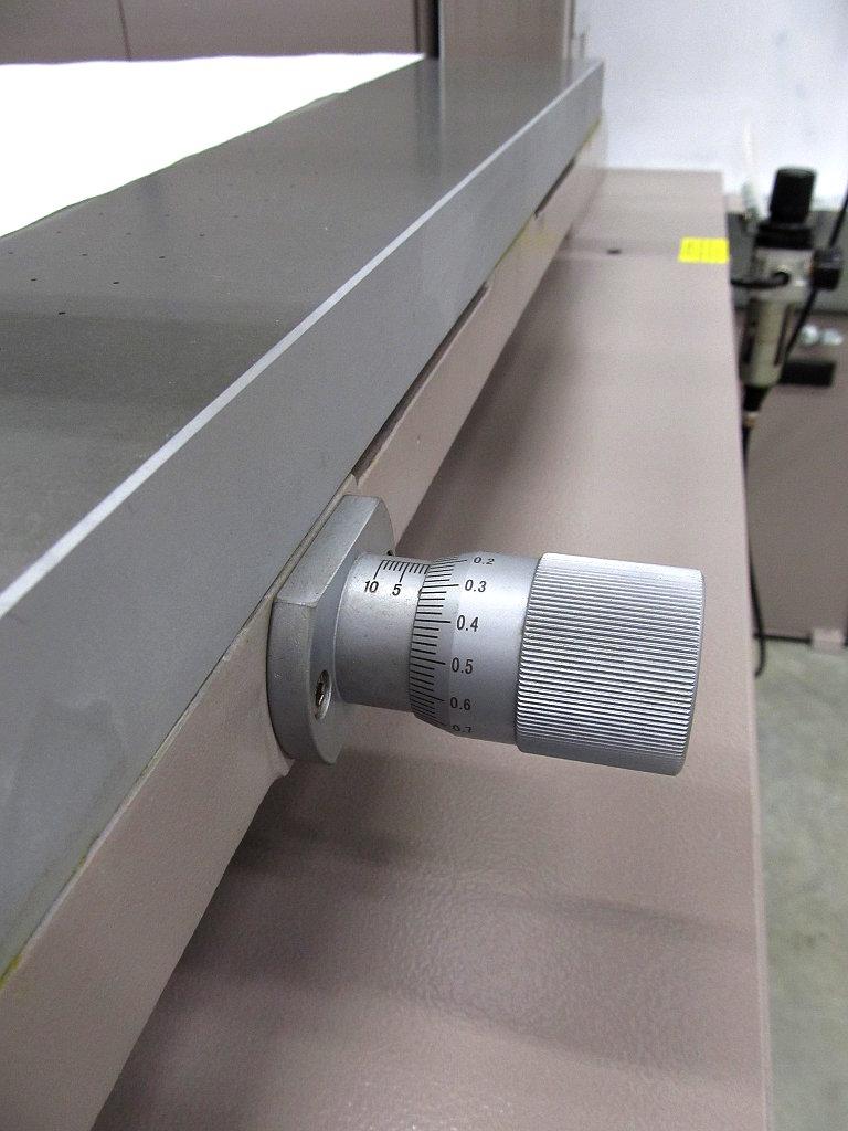 микрометрическая ручка приводки перемещения вакуумного стола станка ATMA