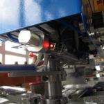 Цилиндр и датчик положения станка для печати этикеток на футболках