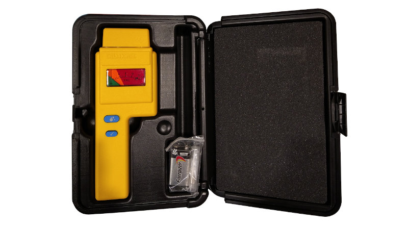 Осуществлена поставка прибора для контроля влажности фотоэмульсионного слоя SAATI TQM Aqua Check