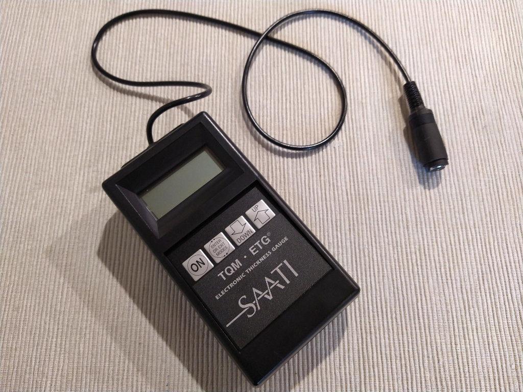 прибор для контроля толщины фотоэмульсии SAATI TQM ETG